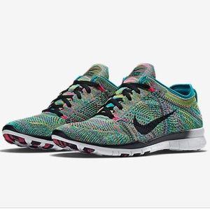 Nike free flyknit sneakers TR 5 multicolor